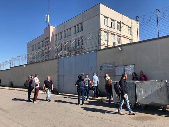Очаква се днес Полфрийман да напусне центъра за временно настаняване
