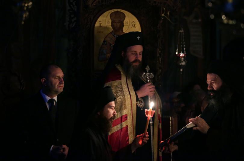 снимка 3 Радев: Зографският манастир отстоява българската вяра, духовност, памет и език