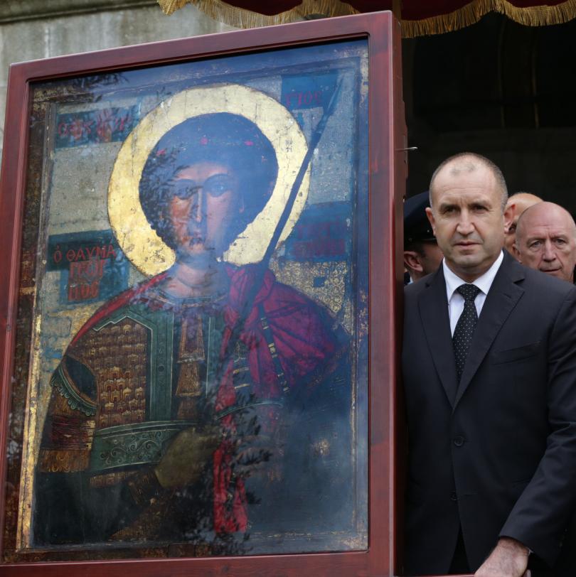 снимка 1 Радев: Зографският манастир отстоява българската вяра, духовност, памет и език