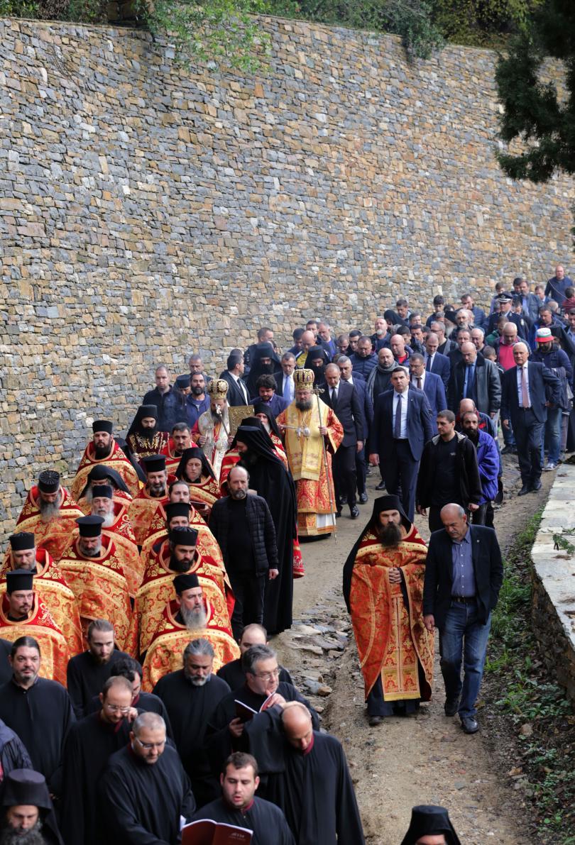 Президентът участва в отбелязването на празника на светата обител в