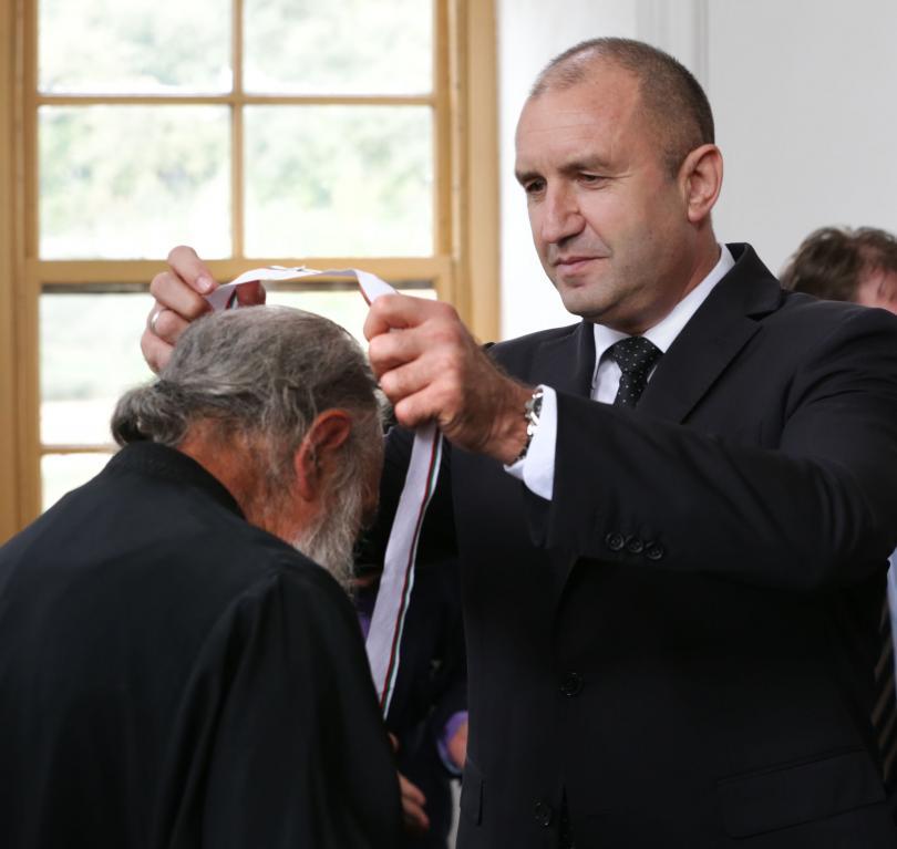 снимка 6 Радев: Зографският манастир отстоява българската вяра, духовност, памет и език