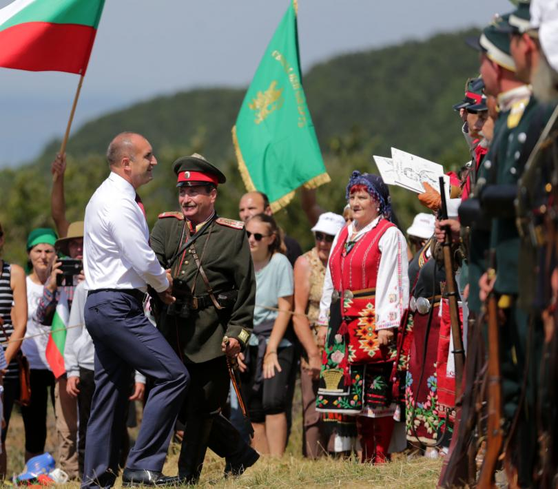 снимка 6 Румен Радев: Шипка е нашият храм на свободата (СНИМКИ)