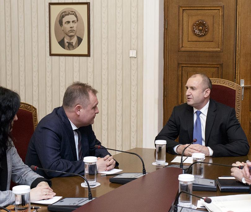 Президентът проведе консултации за промени в Конституцията с председателя на ВАС