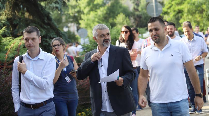 Зъболекари излязоха на протест преди провеждането на извънреден конгрес на
