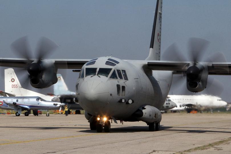 """Самолет C-27J """"Спартан"""" от транспортна авиогрупа Враждебна на Военновъздушните сили"""