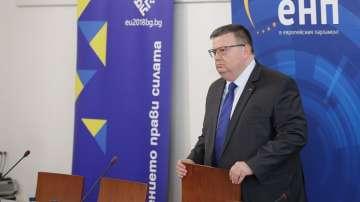 Цацаров: Необходимо е да се установи ред в местата за лишаване от свобода