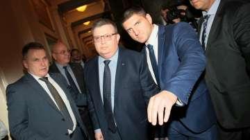 Главният прокурор се среща с депутати от Обединени патриоти