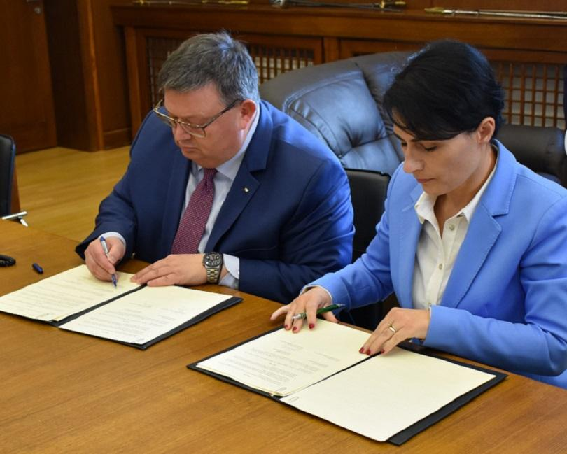 Главният прокурор на България Сотир Цацаров и главният прокурор на