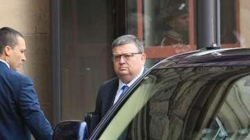 Сотир Цацаров предлага изборът на нов главен прокурор да е на 14 ноември
