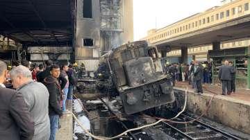 Пожар на главната ж.п. гара в Кайро, най-малко 12 са загинали