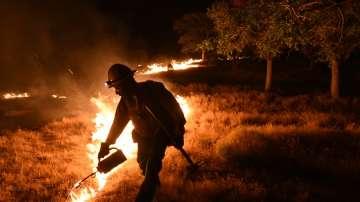 Нов горски пожар в Калифорния унищожи жилища