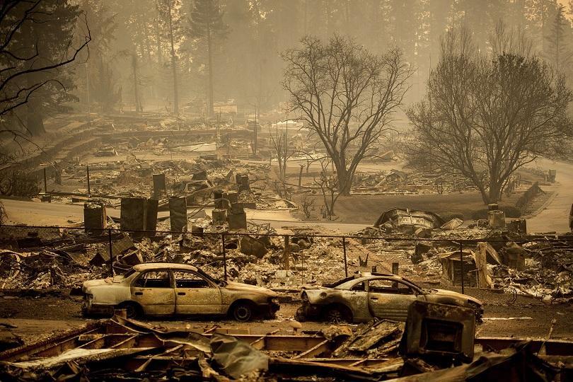 Жертвите на пожарите в Северна Калифорния вече са 42. Това