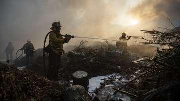 Пожарите в Южна Калифорния са почти овладяни