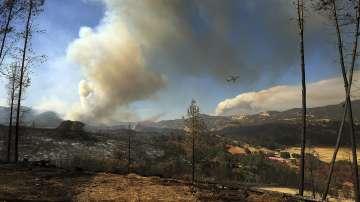 Губернаторът на Калифорния поиска помощ за борба с пожарите от президента Тръмп