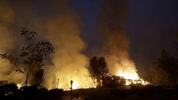 Десет жертви на пожарите в Калифорния