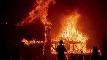 Пожари бушуват в Калифорния