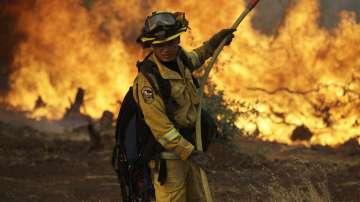 12 хиляди пожарникари в борбата с пламъците в Калифорния