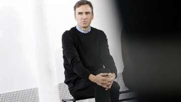 Модният дизайнер Раф Симънс стана творчески директор на лейбъла Калвин Клайн