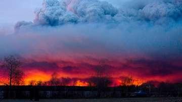 Извънредно положение в Канада заради огромен горски пожар