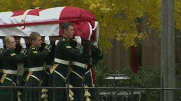 Погребаха трагично загиналия канадски войник