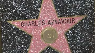 Легендарният Шарл Азнавур със звезда от холивудската Алея на славата