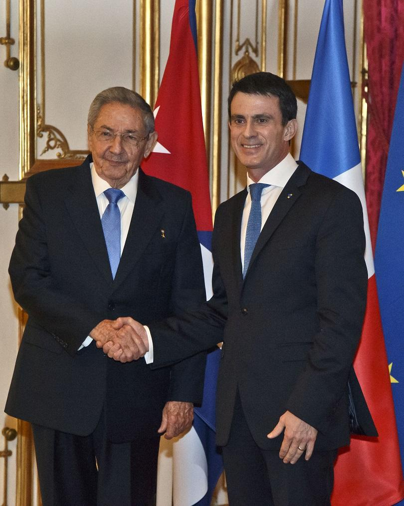 Президентът на Куба и премиерът на Франция