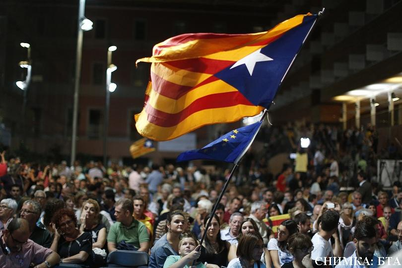 Прокуратурата на Испания заплаши с арест кметовете в Каталония