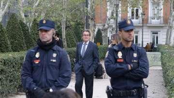 Испанската прокуратура поиска задържане под стража за осем каталунски министри