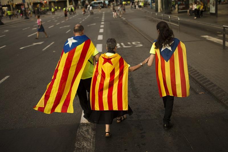снимка 1 Прокуратурата на Испания заплаши с арест кметовете в Каталония
