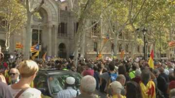 Мадрид забрани на каталунските депутати да обявят независимост