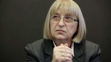 Цецка Цачева няма да подава оставка като председател на парламента
