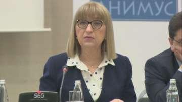 Цецка Цачева: Необходимо е по-тежко преследване на физическото насилие