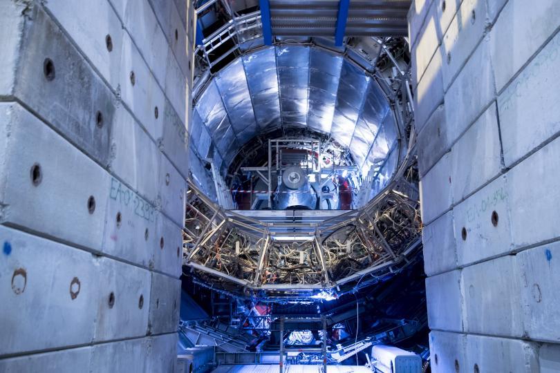 """снимка 2 Екип на """"По света и у нас"""" посети колайдера и детектора в ЦЕРН"""