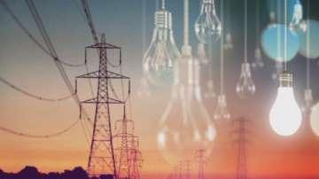 В момента около 5 000 абонати на територията на Западна България са без ток