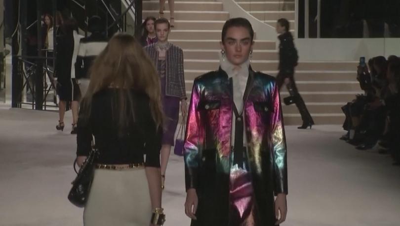 Шанел показа най-новите си модели по време на традиционното си