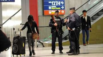 Евакуираха летище Шарл дьо Гол заради съмнителен пакет