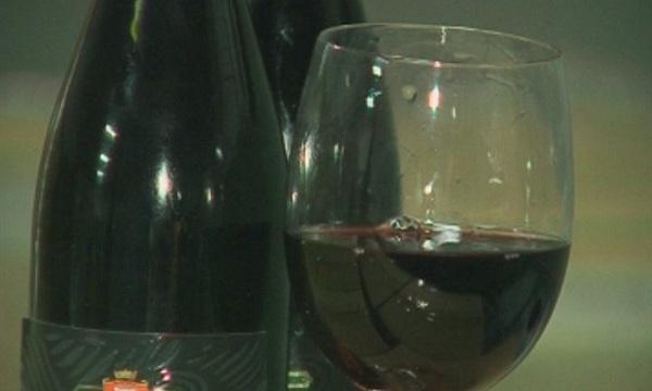 Испански учени установиха, че антиоксидантите в червеното вино убиват бактериите,