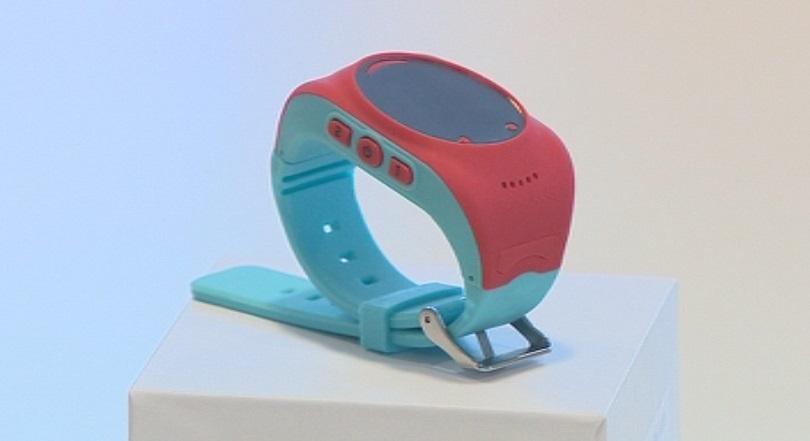 Детски часовник създаден в България пази децата от опасности
