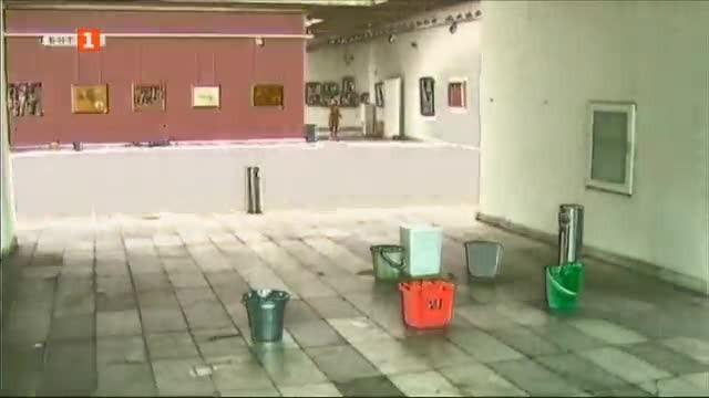Над 15 години сградата на Русенската художествена галерия се руши,