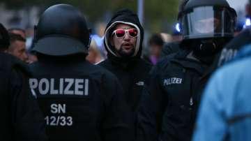 Най-малко 300 души са арестувани при протестите в Кемниц