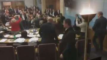 Бой между депутати в парламента на Черна гора