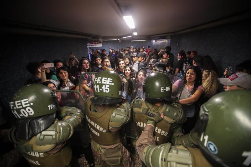 Снимка: Извънредно положение в столицата на Чили заради протести