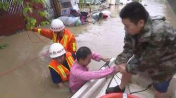 Над 25 000 души в Китай са били спасени от опасни зони на наводнения за 6 месеца