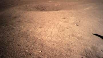 Китайски апарат изпрати първите кадри от обратната страна на Луната