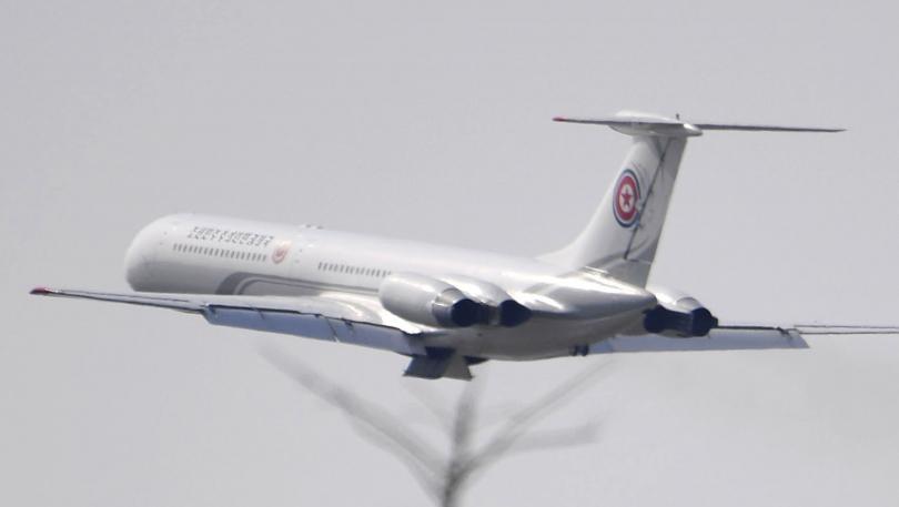 китайски самолет кацна аварийно заради счупено стъкло пилотската кабина