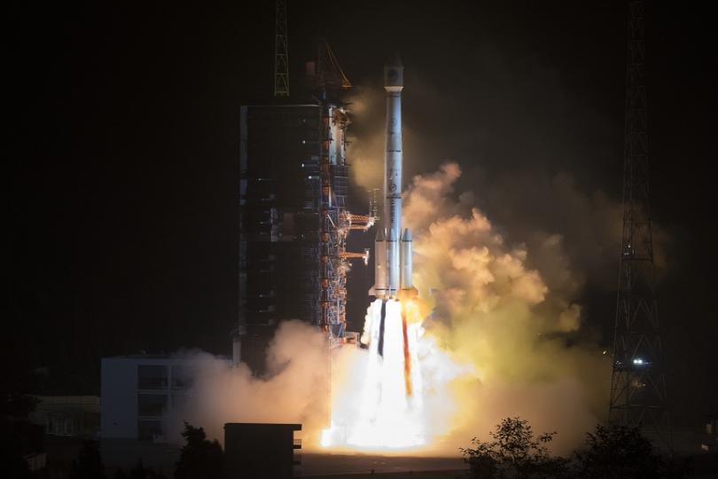 Китай изведе в космоса два спътника от навигационната система