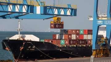 Влизат в сила китайските мита за американски стоки