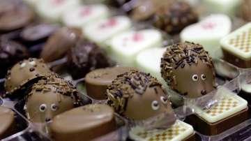 В света на шоколада...