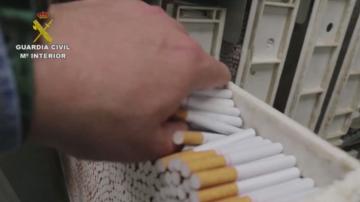Разбиха първата нелегална фабрика за цигари в ЕС
