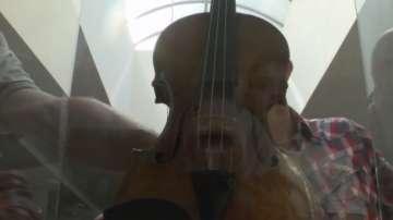 Цигулка на 300 години беше показана в Казанлък